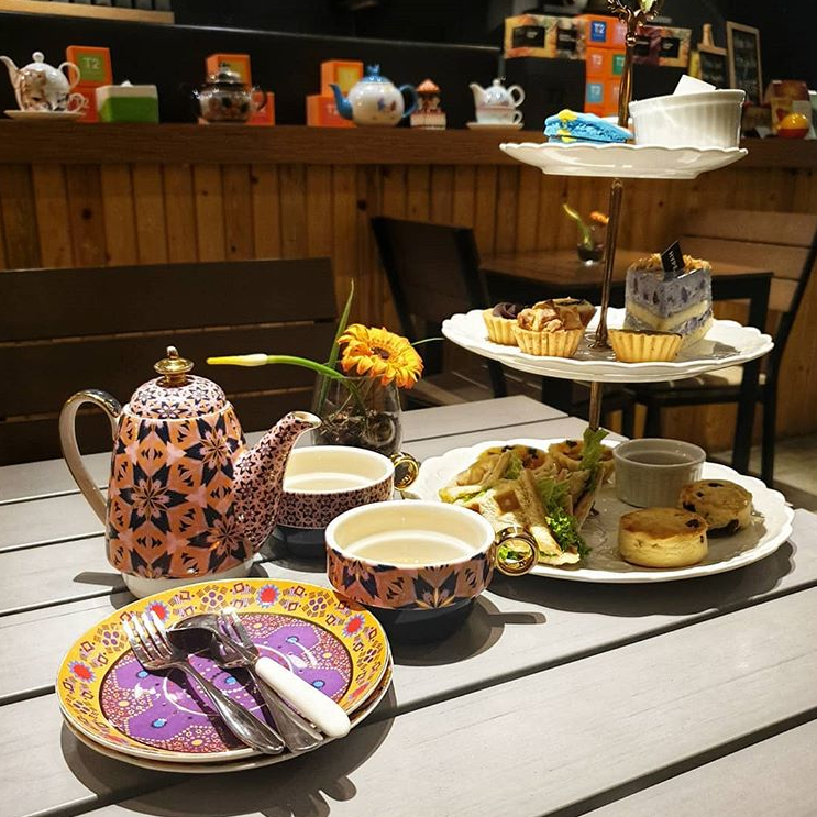 Tea set with scones and tea at Hyde Concept Cafe SS15